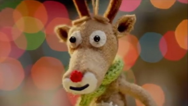 Zak Emerson's Christmas Spot for Three Mobile Shows Us: It's the Little Things